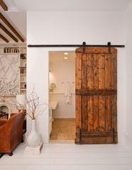 Межкомнатная дверь Межкомнатная дверь Лучший дом Пример 111 (из массива)
