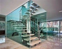 Элементы ограждений и лестниц Valtera из стекла триплекс