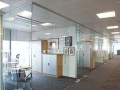 Перегородка Valtera офисная из каленого стекла Оптивайт 6мм