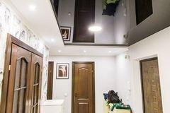 Натяжной потолок ТЕХО двухуровневый глянцевый в прихожей
