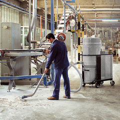 Услуга Уборка промышленного помещения, склада после ремонта