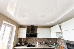 Натяжной потолок ТЕХО двухуровневый в кухне