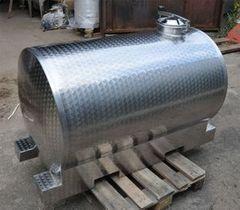 Бак, емкость для воды СтальТорм Пример 146 (металлический бак)