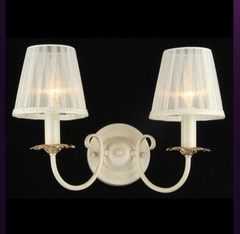 Настенный светильник Maytoni Elegant ARM180-02-W