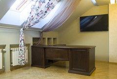 Мебель для руководителя Мебель для руководителя Mago Стол из массива темный