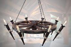 Светильник Светильник Stdlight колесо от телеги большого диаметра с факелами