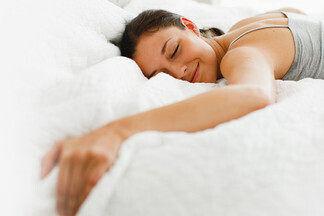 Спросили эксперта, что действительно важно для комфортного сна: правильная кровать или правильный матрас?
